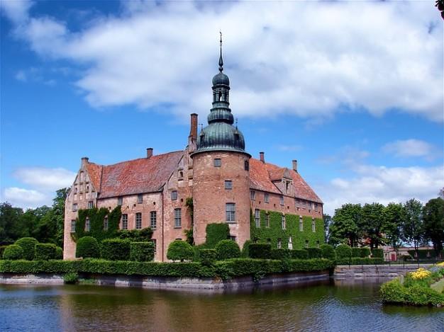 vittskovle-historico-castillo-suecia-edificio-emblematico_121-107791